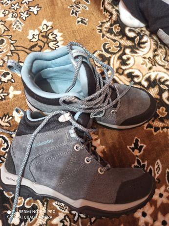 Демісезонні черевики Kalambia