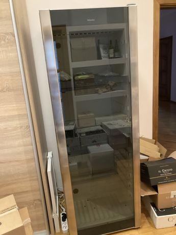 Винный шкаф Miele