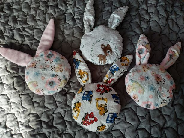 Poduszeczka, maskotka króliczek.
