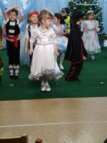 Платье снежинки 5-6лет