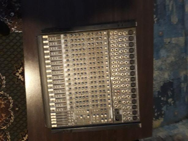 Продам микшерный пульт MACKIE 1604 VLZ PRO