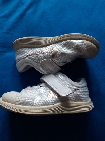 Adidasy, buty, buciki Nike r.22