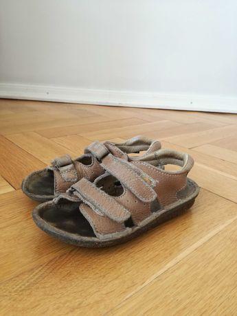 Sandałki skórzane, beżowe, na rzepy + klapki na basen gratis