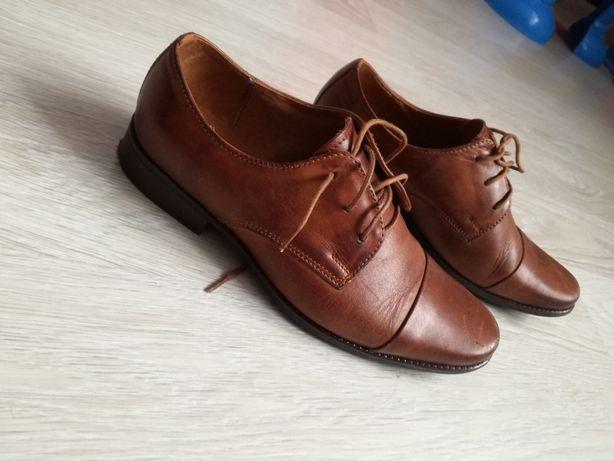 Skórzane brązowe buty chłopięce do garnituru komunii Zadora 32