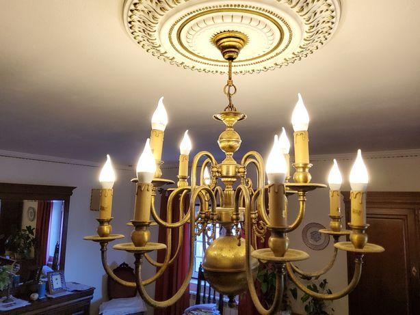Candeeiro estilo antiguidade com lampadas leds.