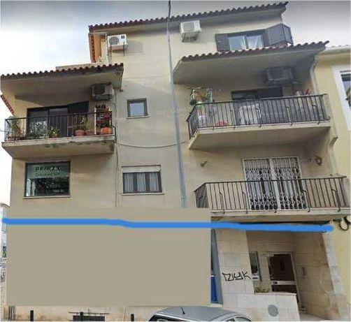 Tem imóveis para pintar exteriores em redor de Porto Salvo