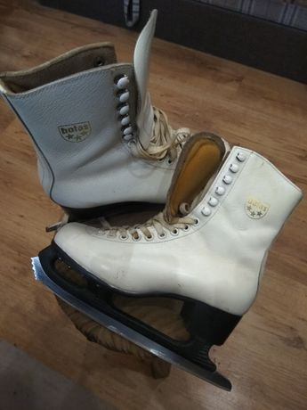 """Продам ботинки фирмы """"BOTAS""""с коньками МАСТЕР"""