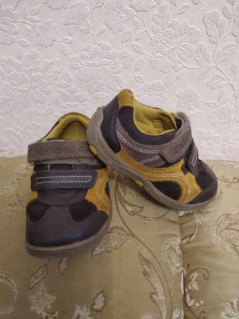 Кроссовки на мальчика 22р.стелька 14-14.5 см