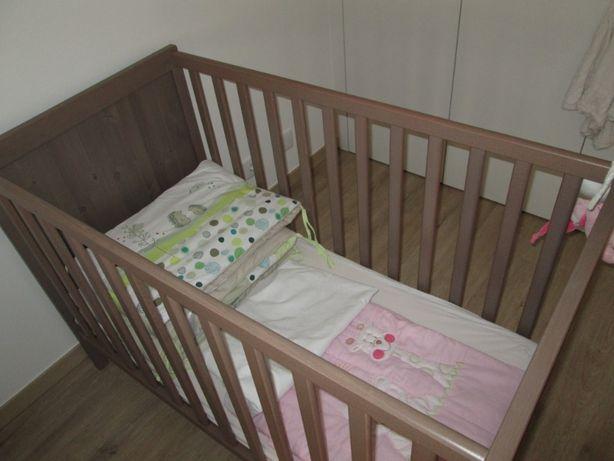 cama bebé/colchão/candeeiro criança/cabide/muda fraldas/trocador