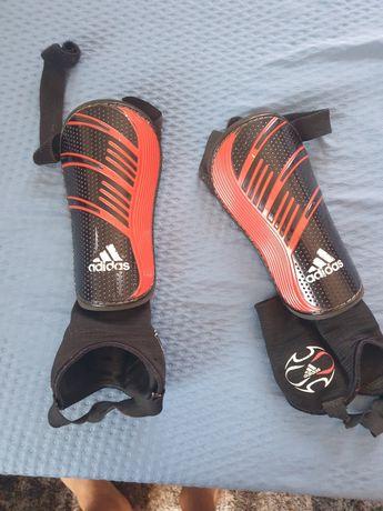 Vendo caneleiras Adidas Oficiail