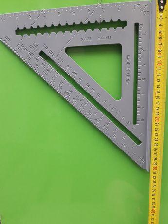 Угольник 30×30 см в наличии