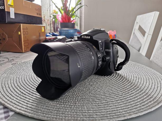 Sprzedam Aparat Nikon D5000+obietyw+lampa