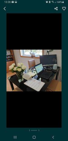 Mesa, 4 cadeiras e armario