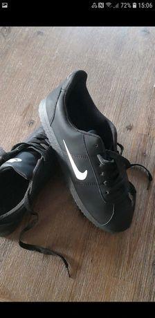 Buty czarne nowe