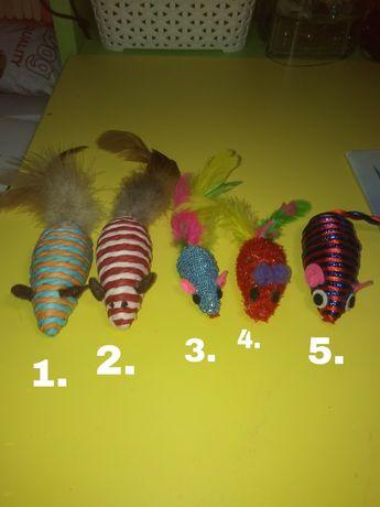 Zabawki dla kotka-myszki