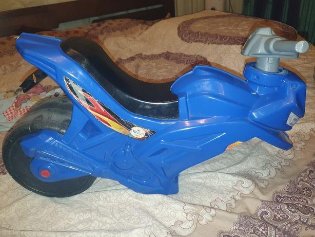 Детский беговел мотоцикл на запчасти или ремонт