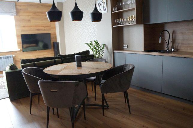 3 комнатная + кухня-студия возле парка Победы. Новый дом