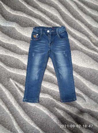 Продам джинсы для мальчика 3-3,5 года