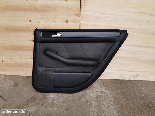 Quartela Forra da porta trás direita Audi A6 C5 Allroad