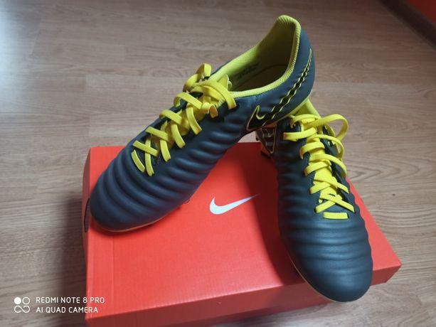 Sprzedam Nowe Korki Nike męskie rozmiar 43