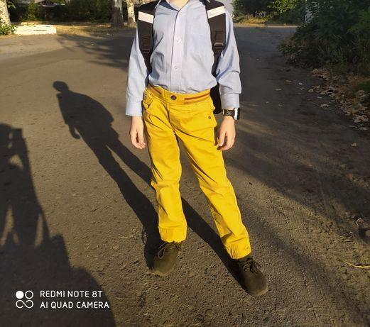 Стильные брюки джинсы