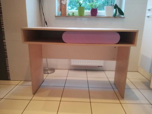Biurko dla dziewczynki, wymiar biurka 110 x 53 x 80, stan bardzo dobry