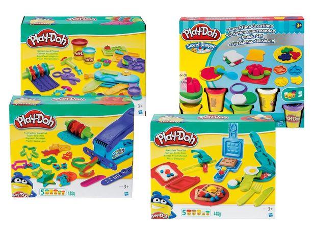 Набор пластилина Play Doh c формами и инструментом.
