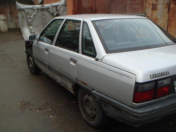 Renault -21 по запчастям.