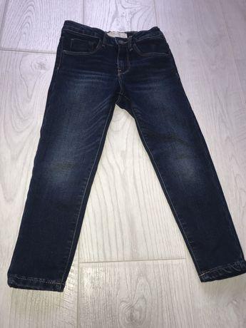 Стильні джинси від Zara на дівчинку 4-5 р.