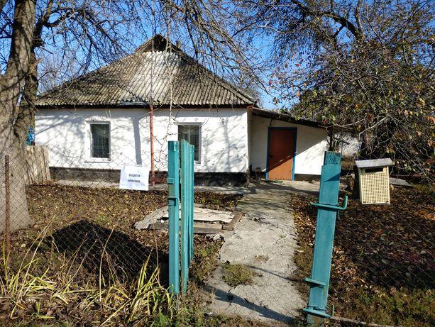 Будинок 71 кв-м. В центрі селища Нова Галещина