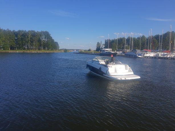 Motorówka kabinową Rinker 230 Atlantic