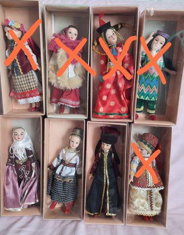 Продаю фарфоровые куклы в народных костюмах