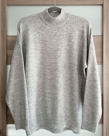 Reserved szary sweter z golfem 40 L
