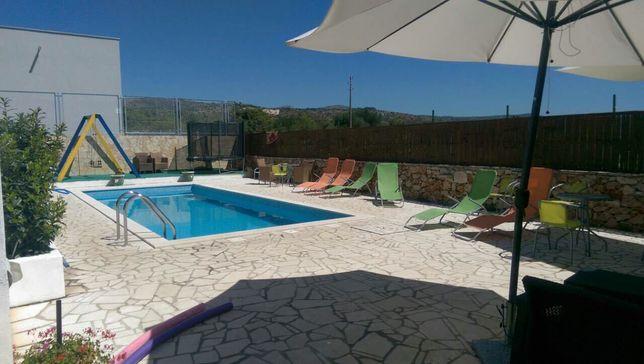 Chorwacja Dalmacija. Apartament dla 7 osob z basenem. Cena od 95€/noc