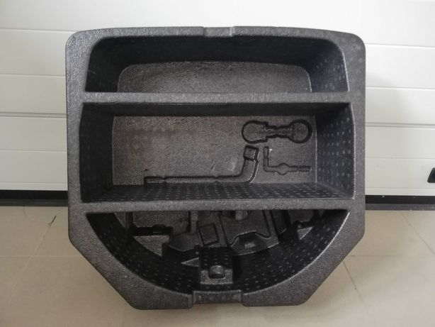 Wkład bagażnika koła zapasowego, organizer Toyota Avensis