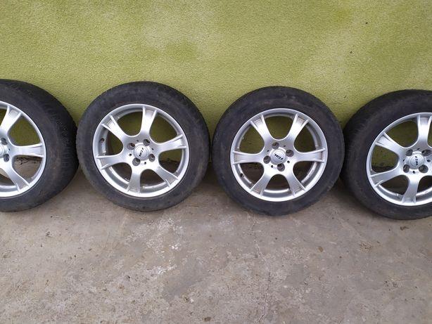 Продам комплект зимних шин на дисках  R16 4 108  Ford