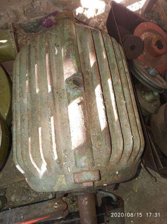 мотор 3 фазний 7.5 кіловат 2800 оборотів