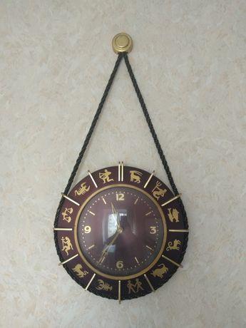 Часы настенные ГДР