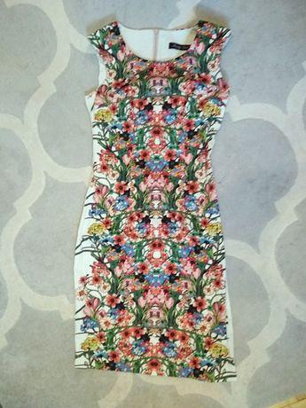 Sukienka Pretty Girl kwiaty floral 34/XS midi ołówkowa wesele