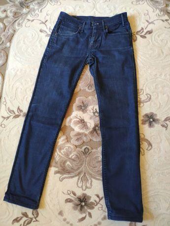 Тёмно-синие джинсы LEVI'S