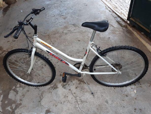 Bicicleta de mulher BOM ESTADO