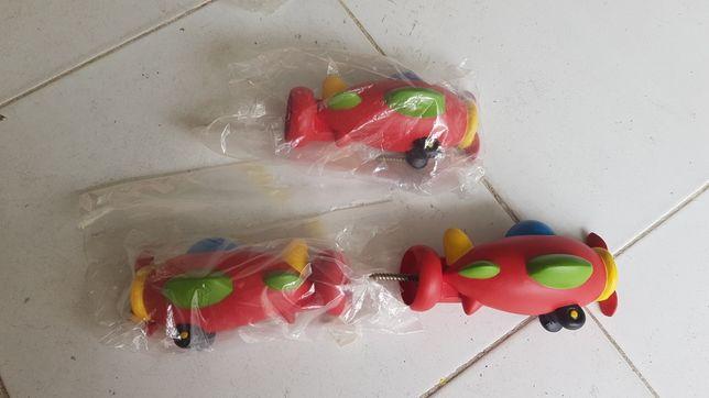 Pontas para varão de cortinados com aviões