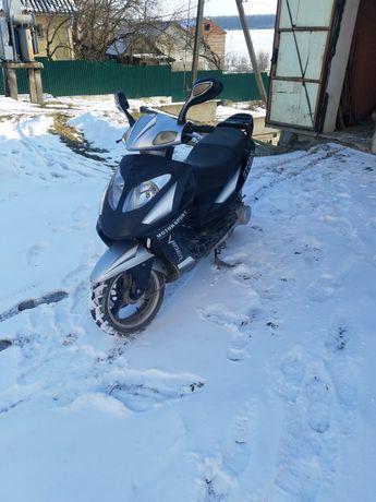 Скутер Вайпер шторм 150