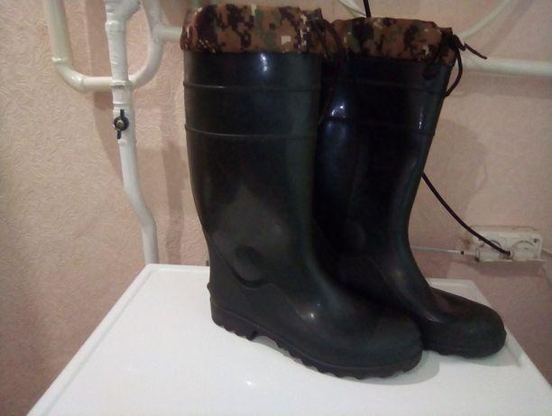Резинові чоловічі чоботи на охоту