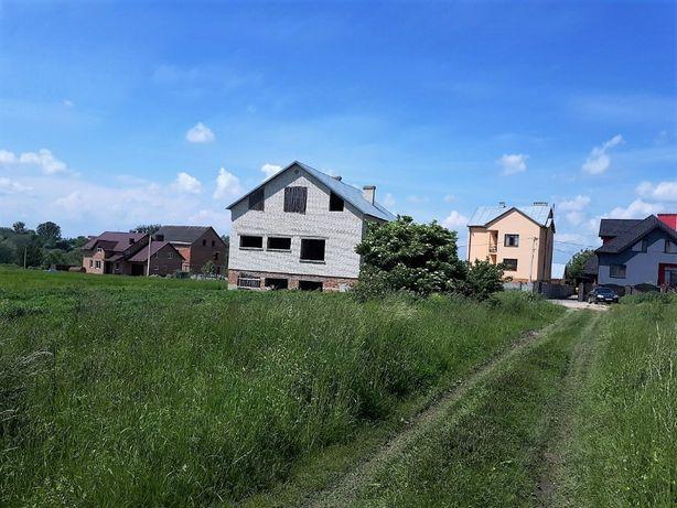 Незавершений будинок з приватизованою ділянкою с. Забужжя ( К-Бузька )