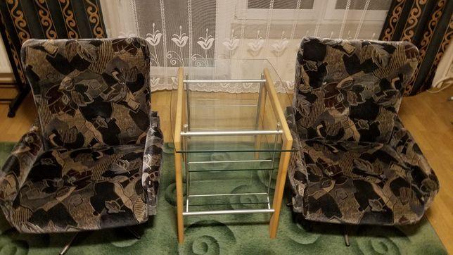 Fotele kręcone na stalowej nodze