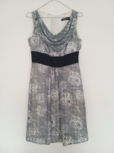 Elegancka sukienka Vissavi 38