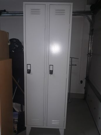 Cacifo metálico 2 portas