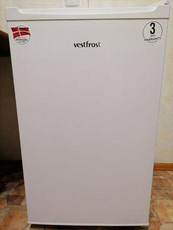 Компактный холодильник Vestfrost CMR085W. ТОРГ