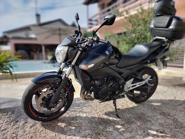 Suzuki GSR 600 - ano 2009 - 98cv - 29000km